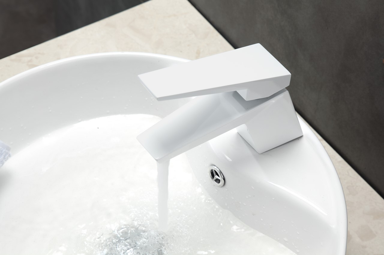 Aqua Siza Single Lever Modern Bathroom Vanity Faucet - White - KUBEBATH
